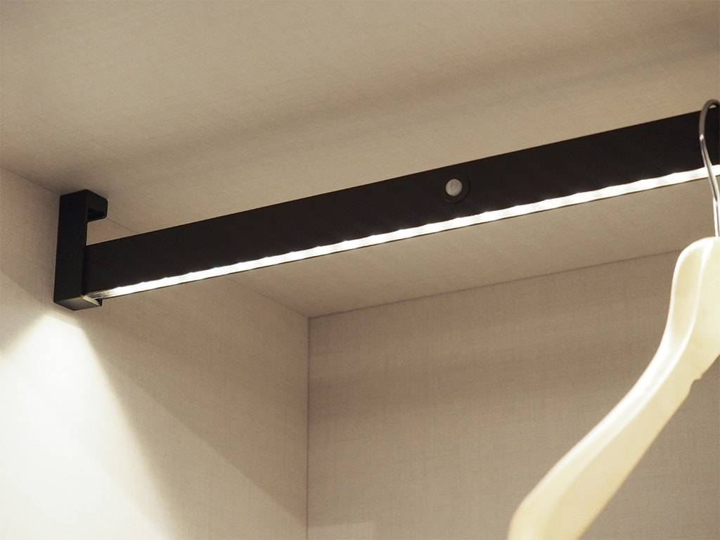 Castor Rechargeable Led Hanging Rail